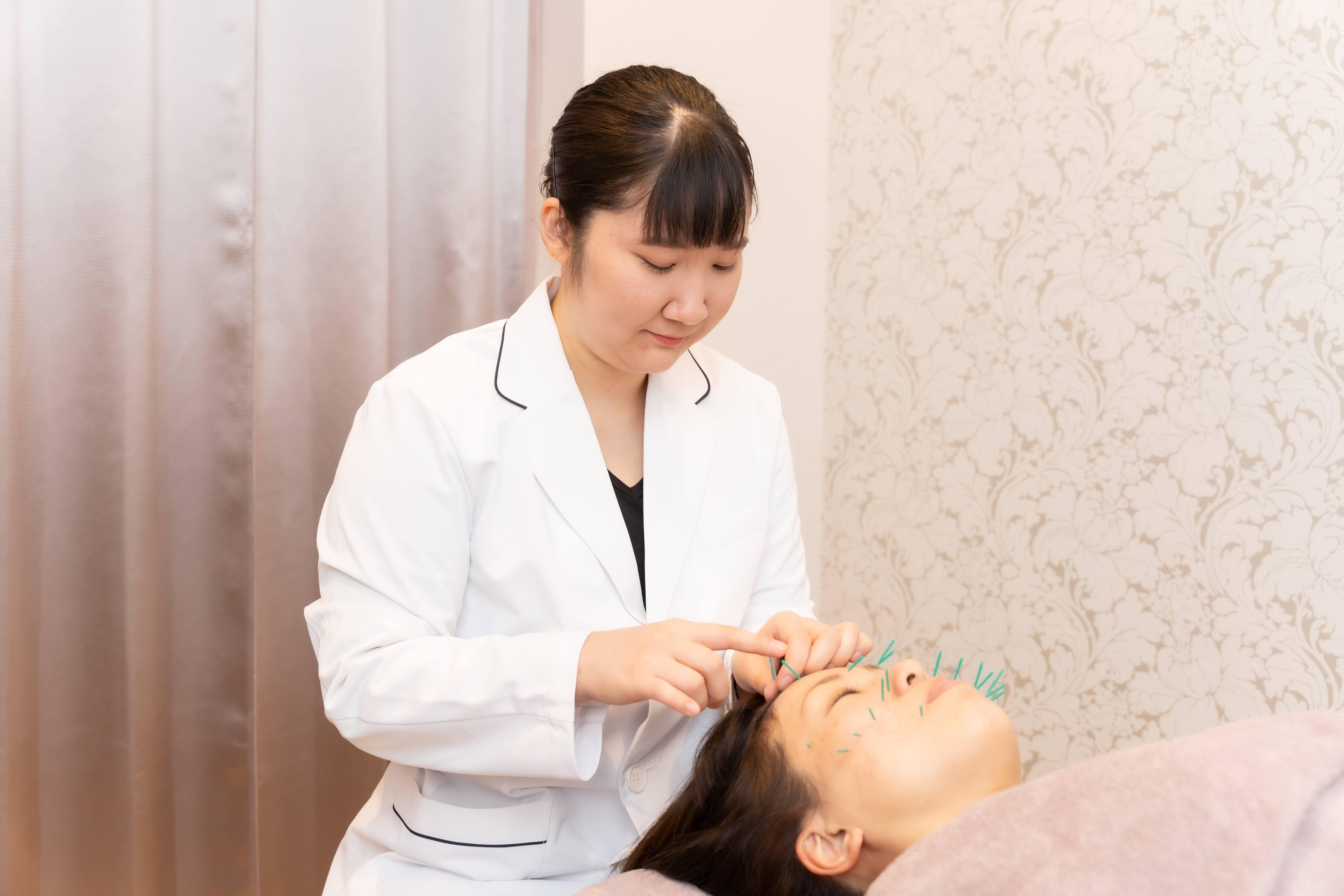 【鍼灸サロンHARINE】鍼灸師の画像